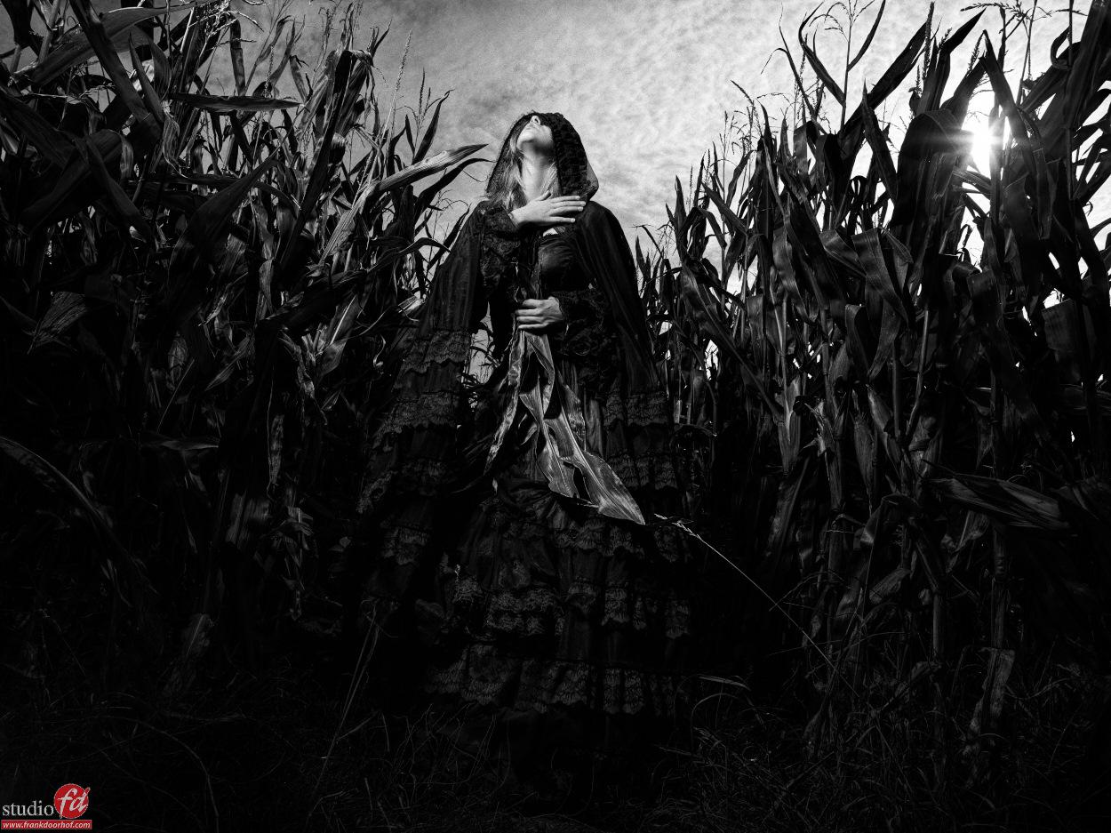 Anna Matthea outside October 3 2015    0036 BW