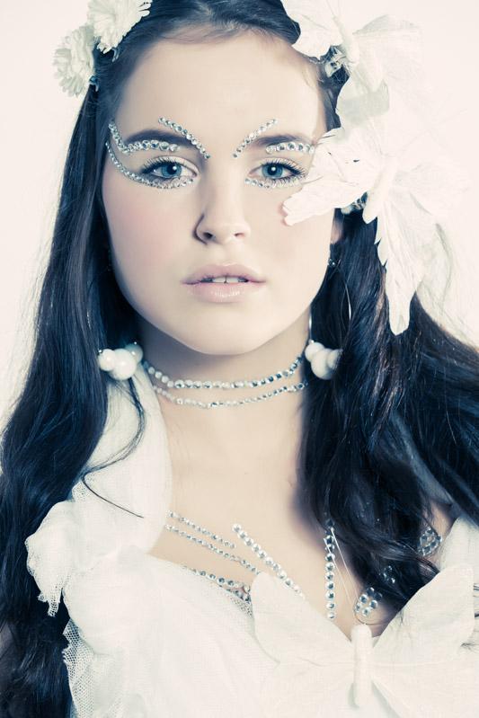 Manon 28 December 2012-13-Edit